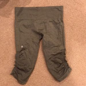 Lululemon olive crop leggings